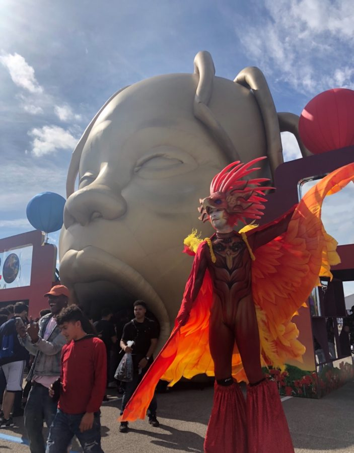 Special effects such as circus performers and playful decorations brought the AstroWorld event to life, in addition to the music.