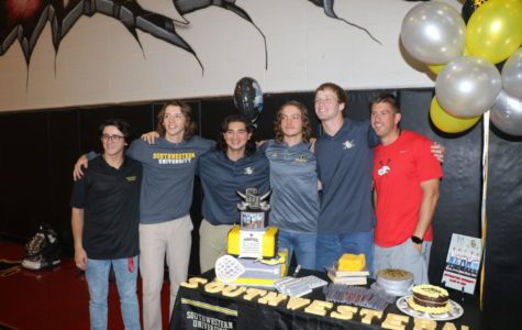 Five Athletes Sign to Southwestern